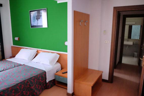hotel fenix zimmer mit direktem meerblick cavallino venedig. Black Bedroom Furniture Sets. Home Design Ideas
